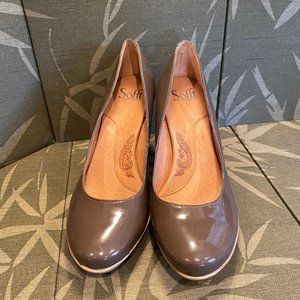 """NEW~SOFfT 3 1/2""""Stacked Taupe Heels~9"""